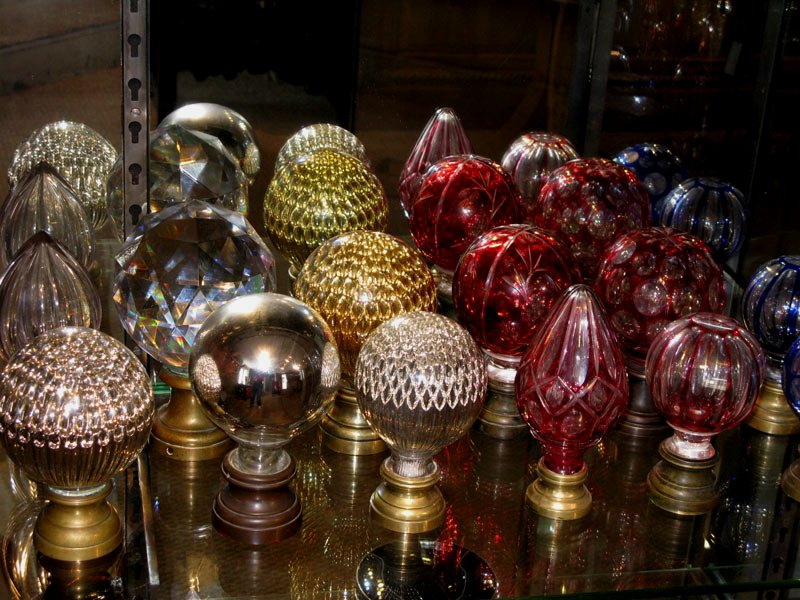 Baccarat or Saint Louis, bould de rampe / boule d'escalier, Paris flea market shopping, Decorating tips