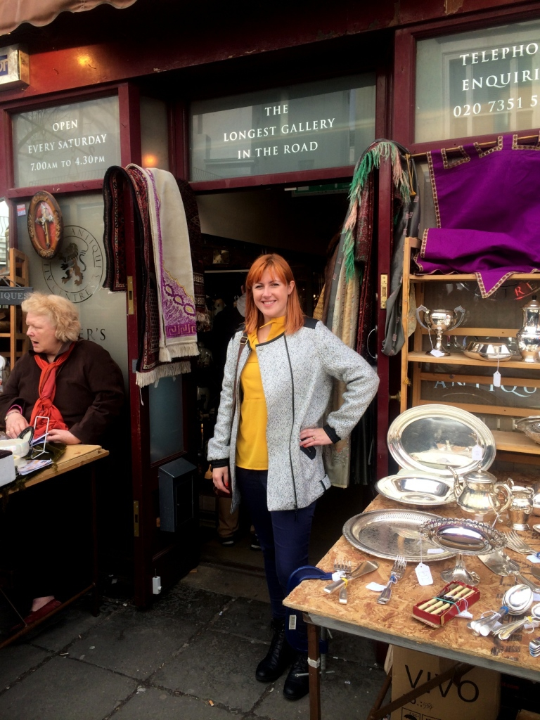 Portobello Market, Buying Antiques in London, Vintage shopping in London, Portobello Flea Market Tours, The Antiques Diva, Alys Dobbie