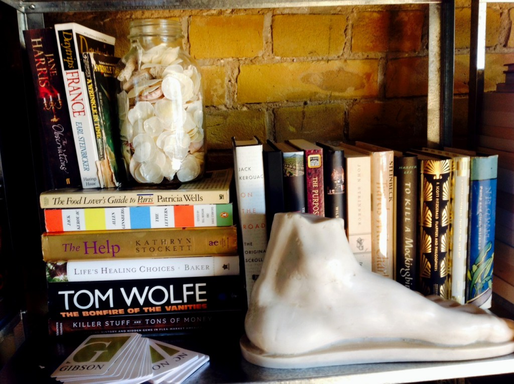 Shelfie, Toma Clark Haines, The Antiques Diva Berlin Apartment, Book Shelves, Decorating a Loft Apartment