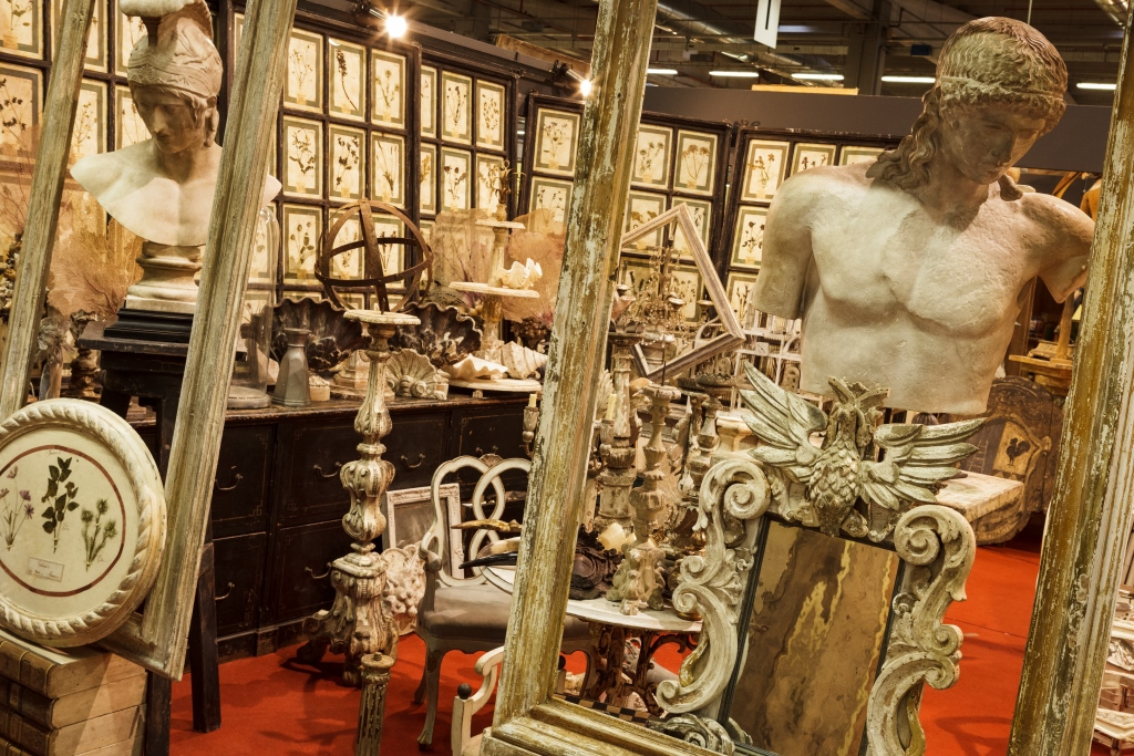 Italian vendor Salici Maurizio, Secret Source in Italy, Italian Tastemaker, The Antiques Diva, Decorative Antiques, Decorative Trendsetter,