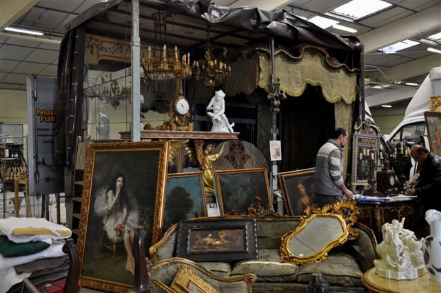 Paris Antique Trade Fair, Paris Antiques Trade Fair, Buying antiques in Paris, The Antiques Diva Paris Tours, Cipolat,