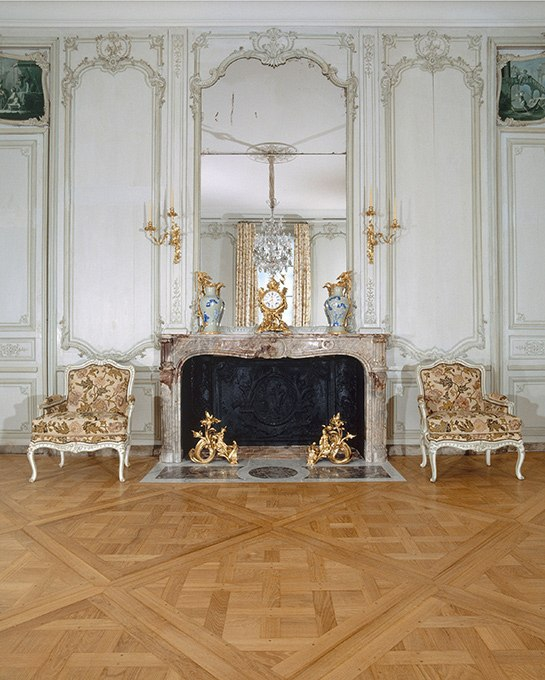 French Interior Design - Jacques Garcia, The Louvre, 18th Century  Decorative Arts Gallery,