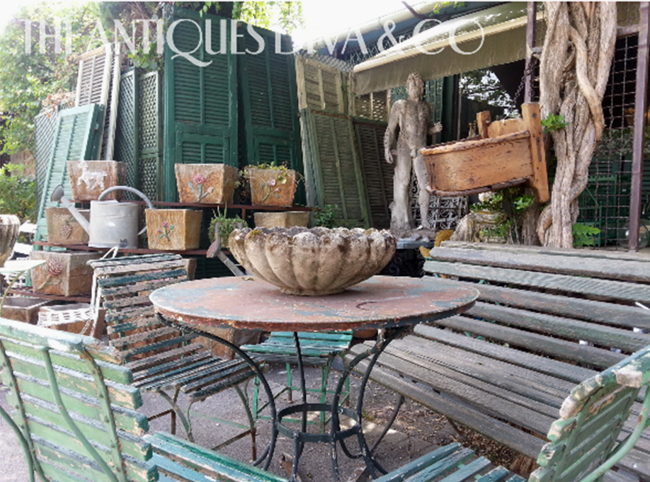 Antiques Diva Provence Tours, Sourcing antiques in Provence, Diva Guide Caren, French Antiques, L'isle sir la Sorgue, Flea markets in Provence