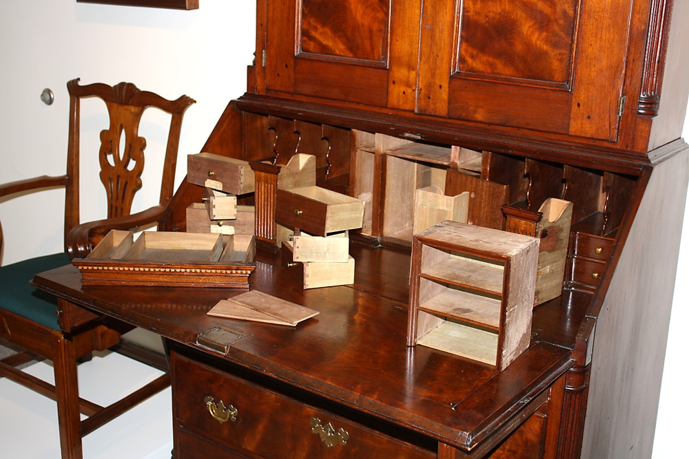 Secret compartments in desks the antiques divathe for Furniture w hidden compartments