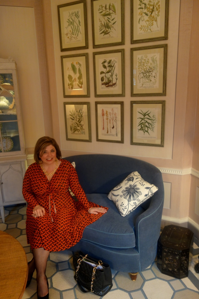 Toma Clark Haines, Colefax & Fowler, London Antiques, Nancy Lancaster, Using Antiques in Modern Ways, Antiques Diva, English Designers,
