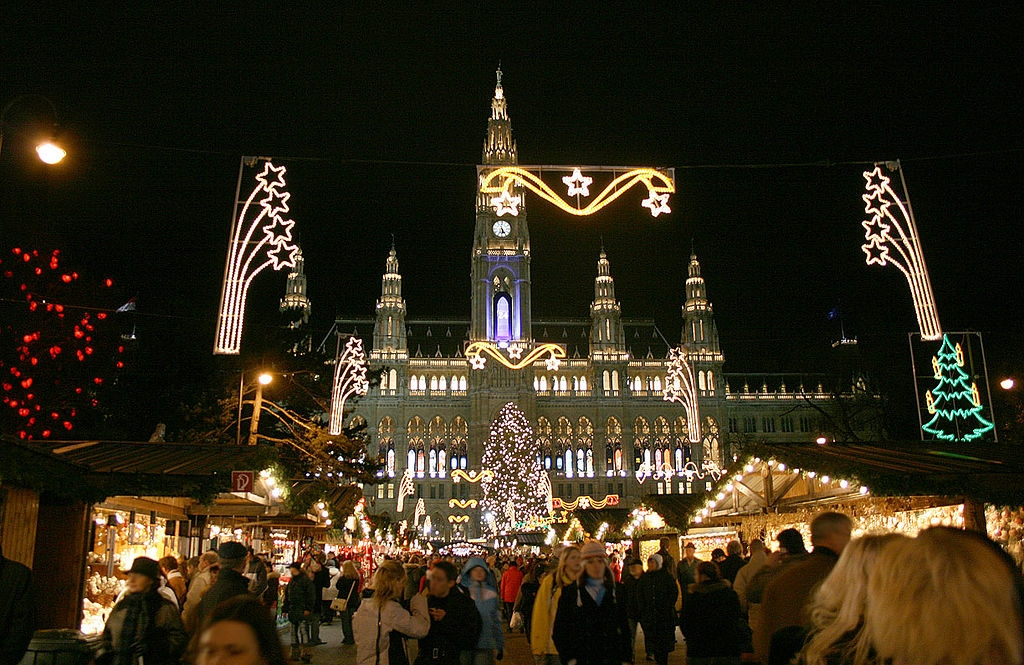 1024px-Wien_Rathaus_Christkindlmarkt_Dez2006B, Traditional Christmas Markets, German Christmas Markets, Weihnachtsmarkts, Gendarmenmarkt in Berlin,