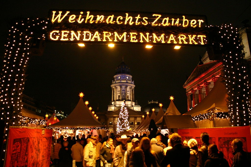 Traditional Christmas Markets, German Christmas Markets, Weihnachtsmarkts, Gendarmenmarkt in Berlin,