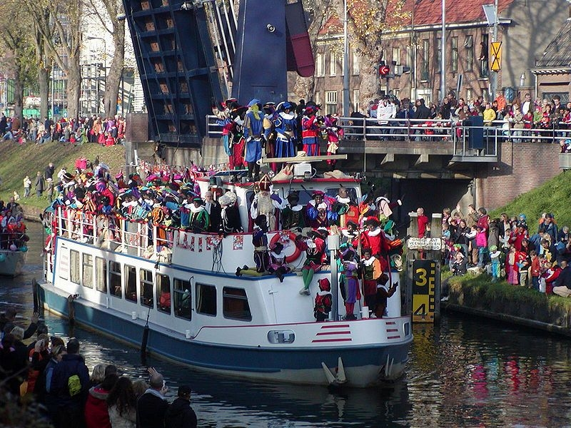 Sinterklaas, Dutch Traditions, Santa Claus in Europe, Zwarte Pieten, Christmas in The Netherlands, Christmas traditions around the world