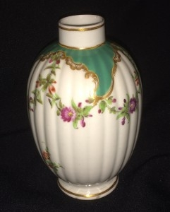 18th-Century-1st-Period-Worcester-Tea-Cannister-241x300
