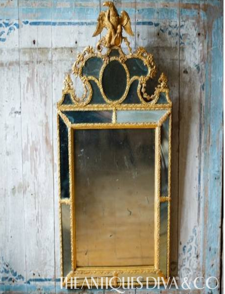 Decorating with antique mirrors the antiques divathe for Antique decoration