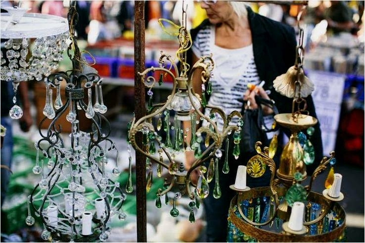 Paris Flea Market, Les Puces, Antiques Diva Tours, Paris Flea Market Tours, Marche Paul Bert, Marche Vernaison, Marche Serpette, Clignancourt, Buying Antiques in Paris, Editor at Large,