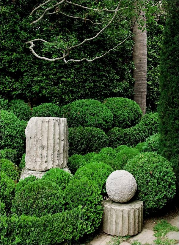 Jackson McCard, Darcy Fulton, John Rosselli, Treillage, Bunny Williams, On Garden Style, Outdoor Decorating Tips, Architectural Salvage, Garden Antique Tours, The Antiques Diva