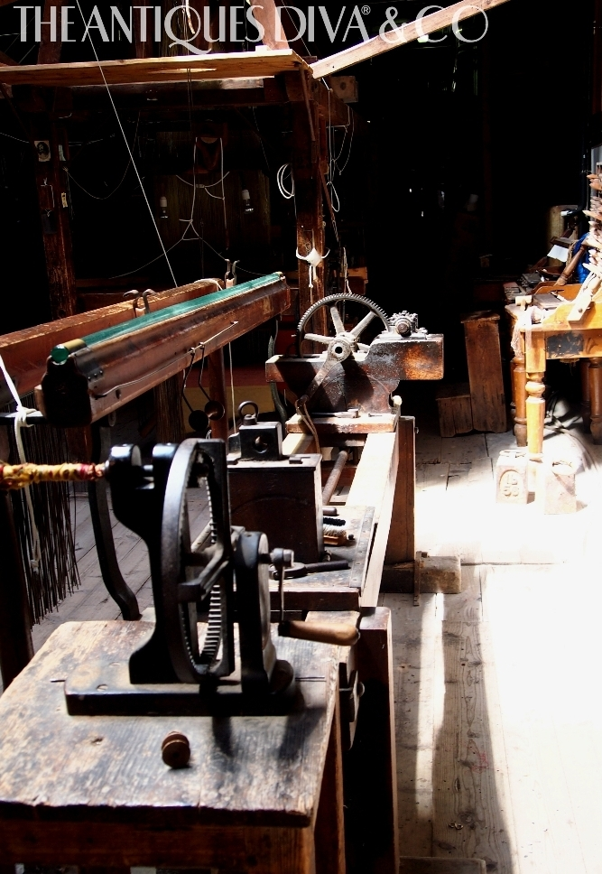 O&C Antiques, Things to do in Venice, Antiques Diva & Co, Buying antiques in Venice, Sourcing Italian Antiques, Italian Tours, Venice Tours, Antique Venetian Glass Tour,