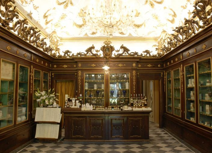 Antica Spezieria - Pharmacy of Santa Maria Novello in Florence | Toma Clark Haines | The Antiques Diva