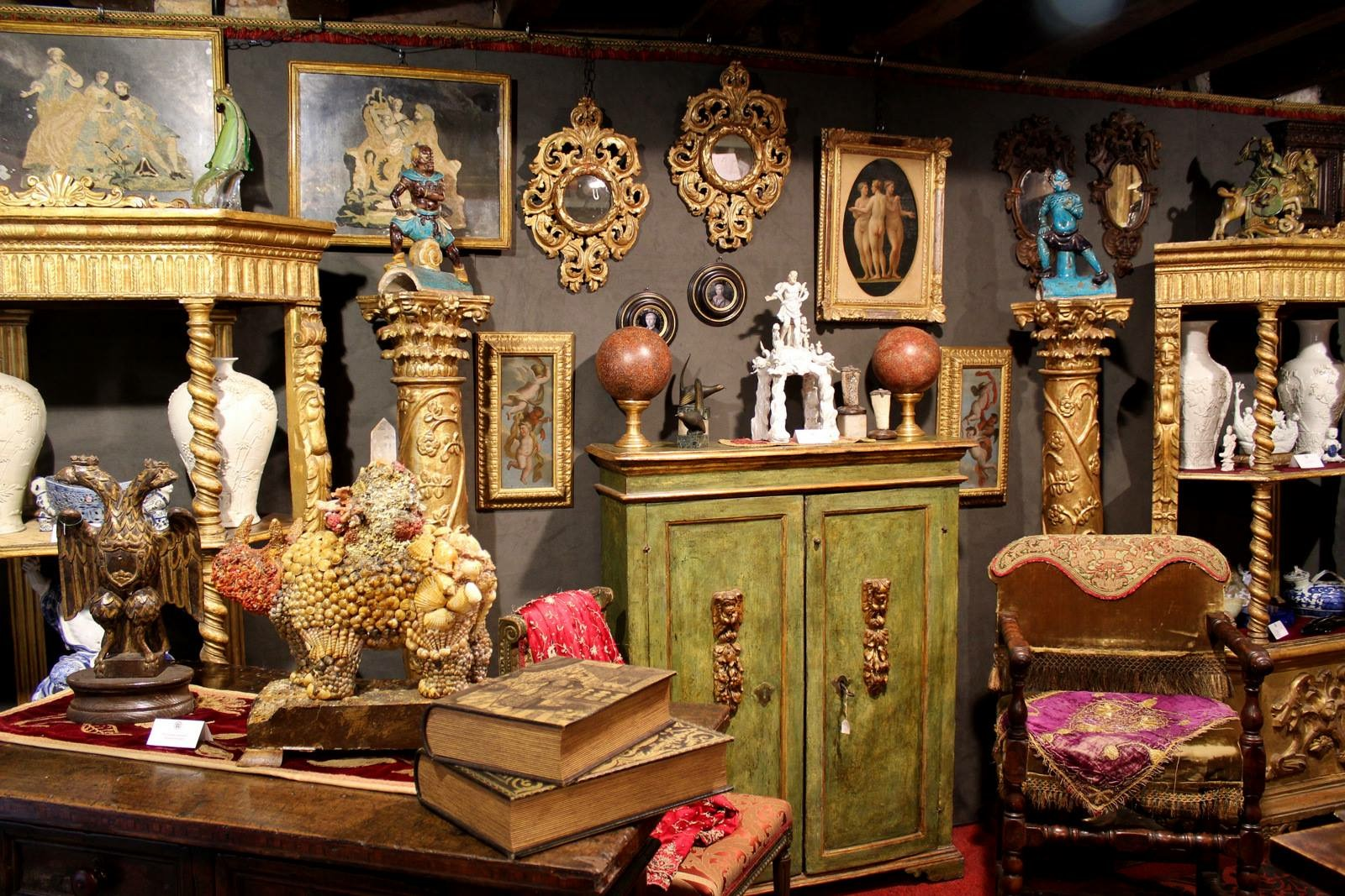 Italy antiques shopping trips with The Antiques Diva