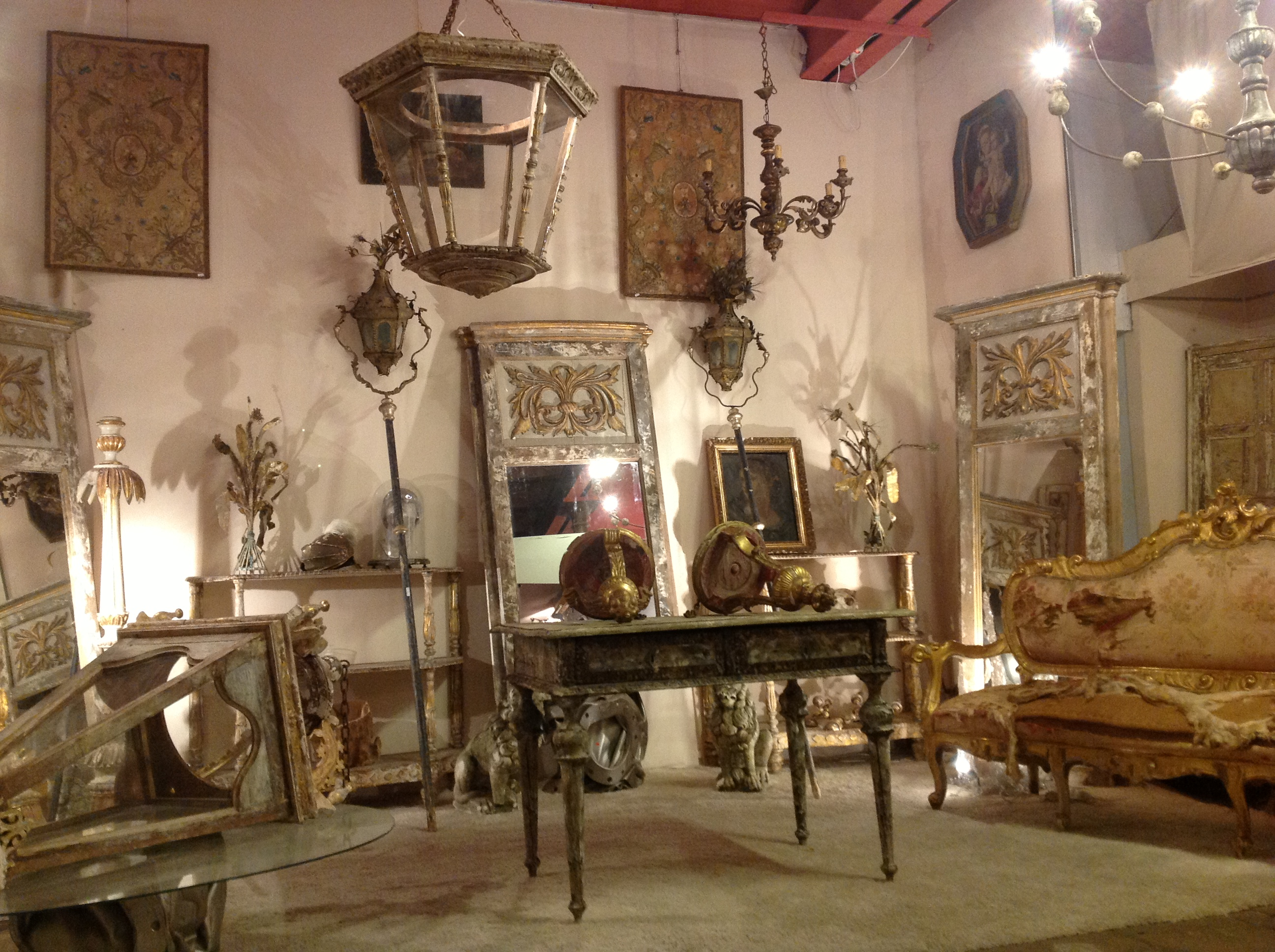 antique shopping in the south of France