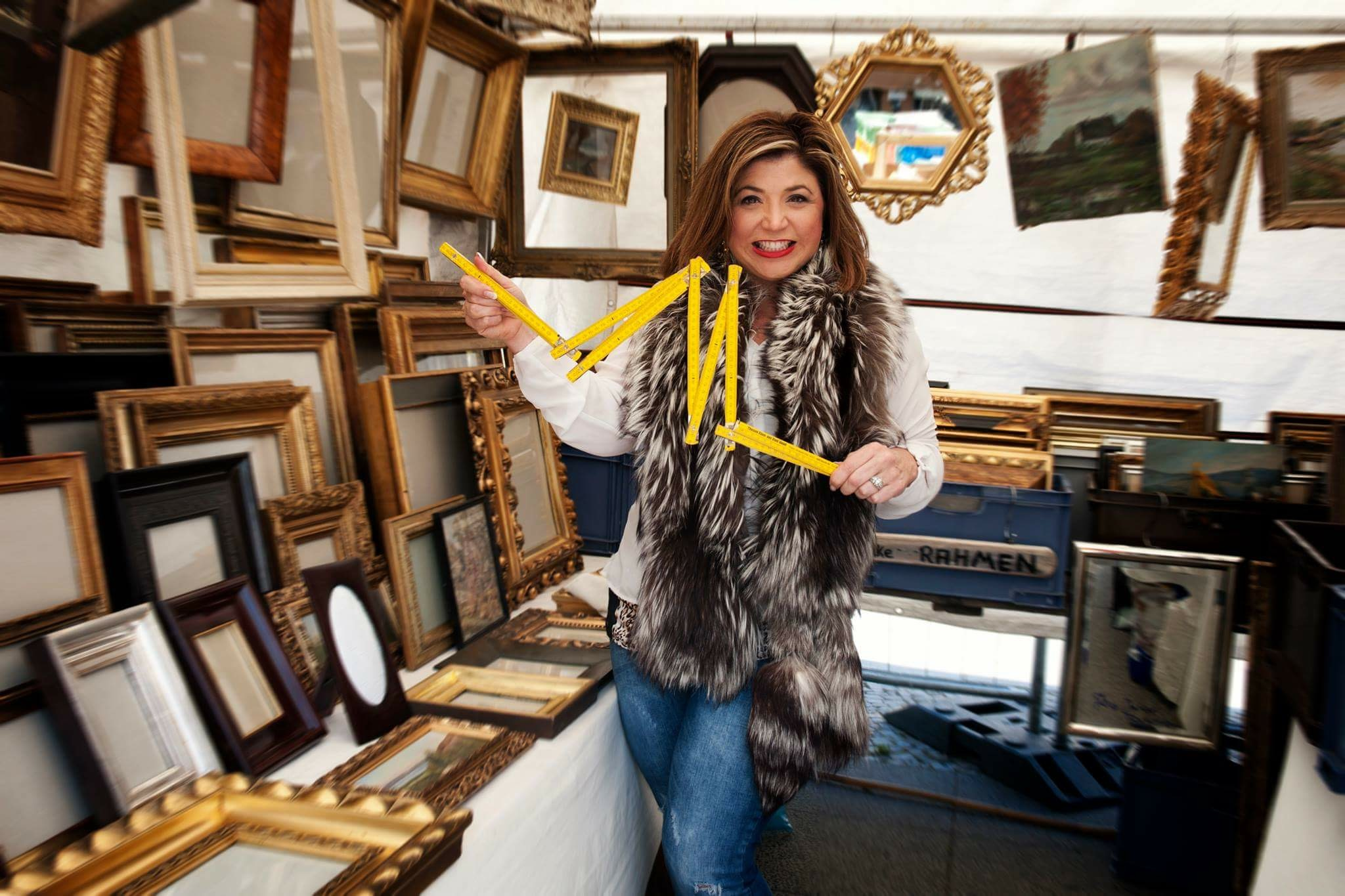 sourcing antique picture frames at the Berlin flea market