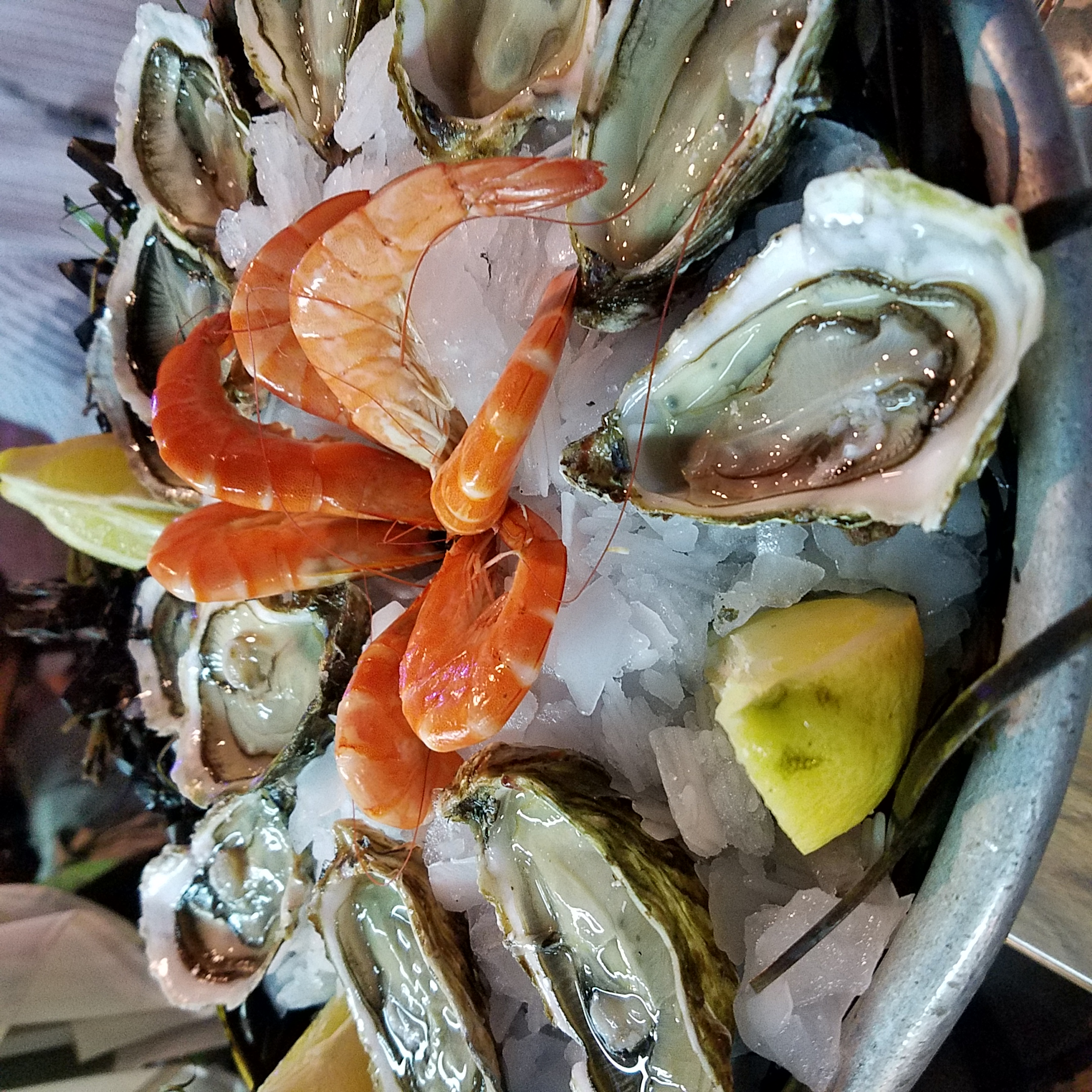 Lolo French Antiques seafood platter Sete