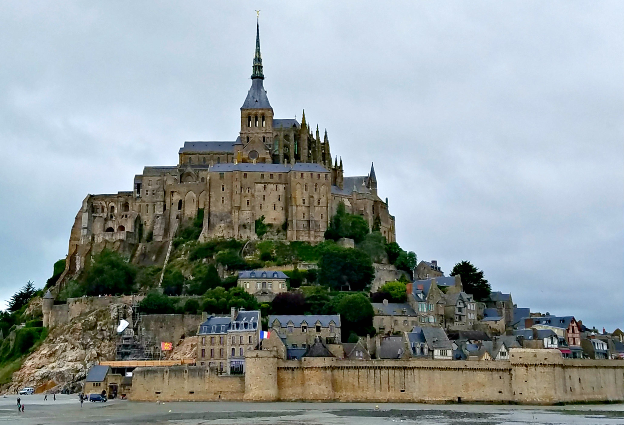 Lolo French Antiques.MontStMichel
