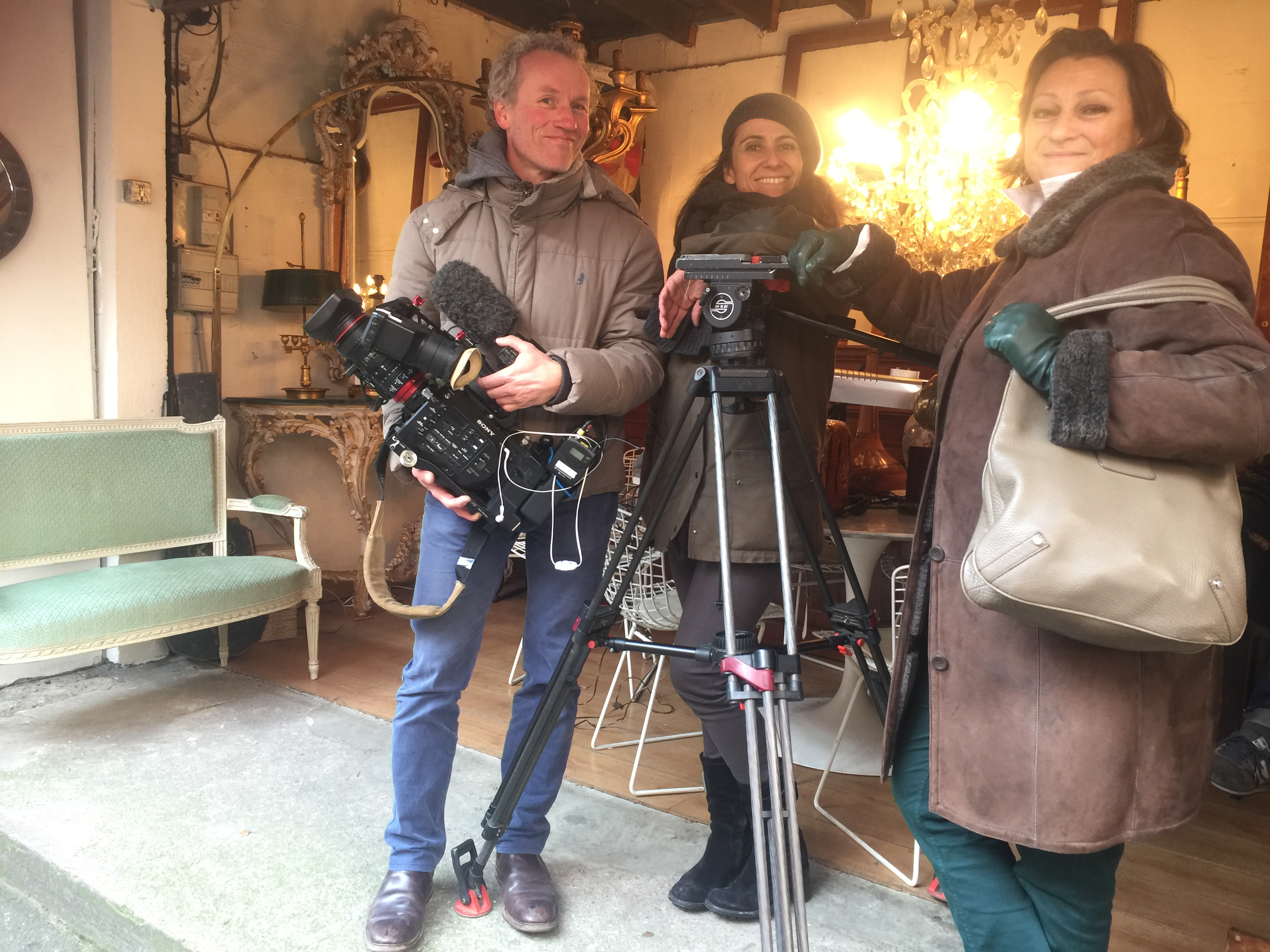 Diva Guide Danielle filming with TF1