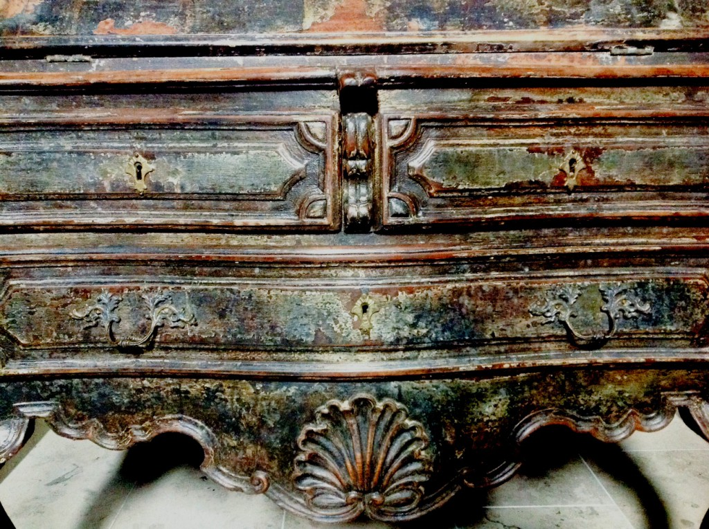 wabi sabi antiques, axel vervoordt, toma clark haines, berlin apartment, antiques diva, spanish secretaire