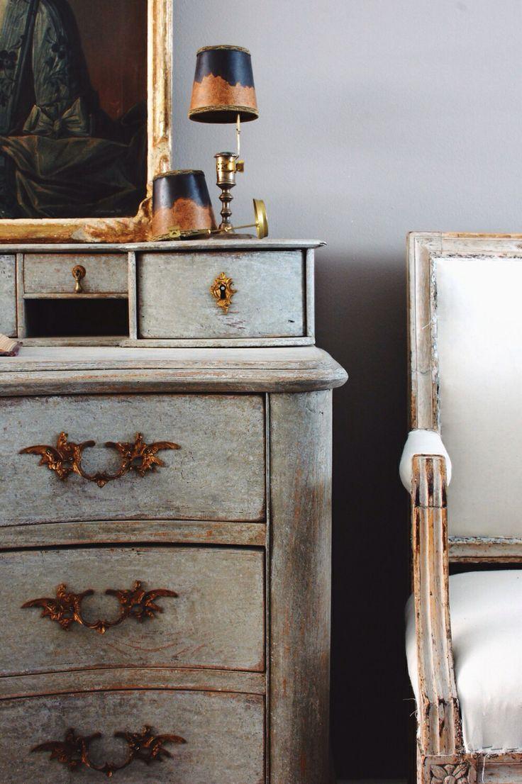 Antiques Diva, Daniel Larsson Interrior, Gustavian, Sourcing Antiques in Europe, Swedish Antiques, Swedish Décor, Antique Swedish Clock