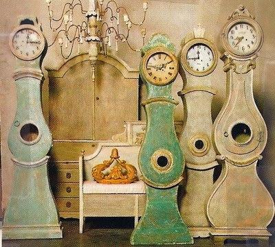 Antiques Diva, Daniel Larsson Interrior, Gustavian, Sourcing Antiques in Europe, Swedish Antiques, Swedish Décor, Antique Swedish Clock, Mora Clock, Swedish Long Case Clocks