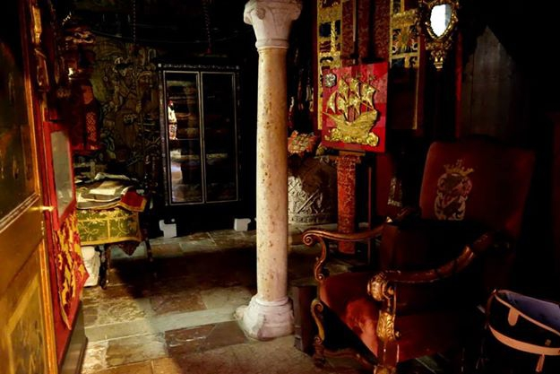 Venice, Buying antiques in Venice, the Antiques Diva, O&C Antiques, Where to buy antiques in Italy, Venetian Culture, Antique Textiles,