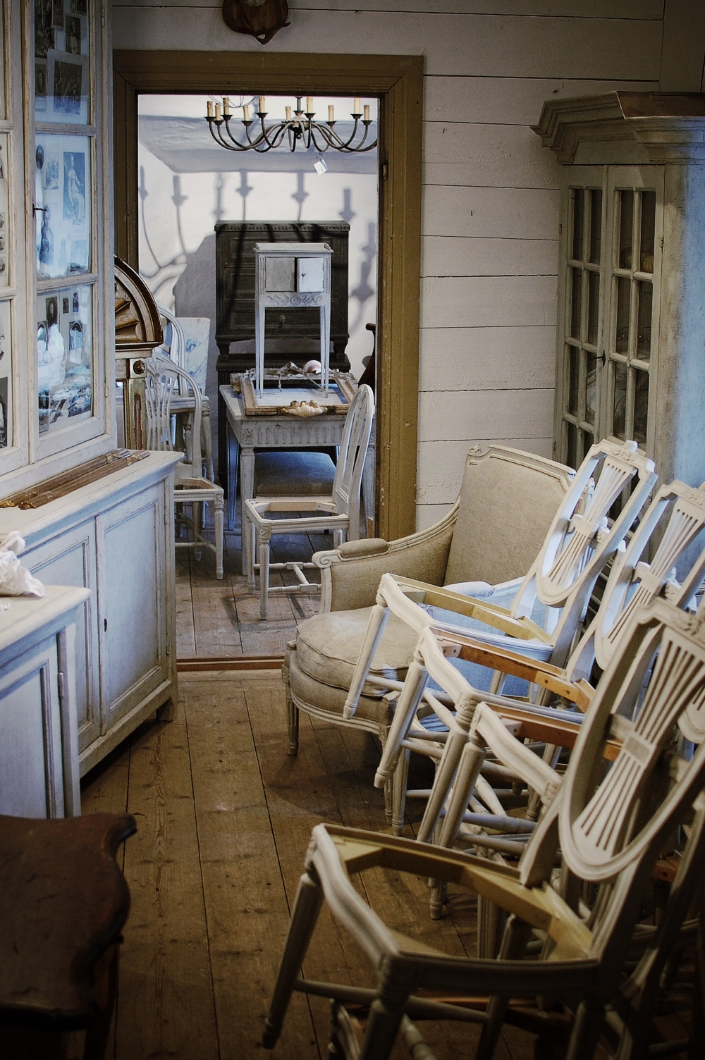 Swedish Antiques Buying Tour, The Antiques Diva, Buying antiques in Sweden, Gustavian, Rococo, Swedish chairs