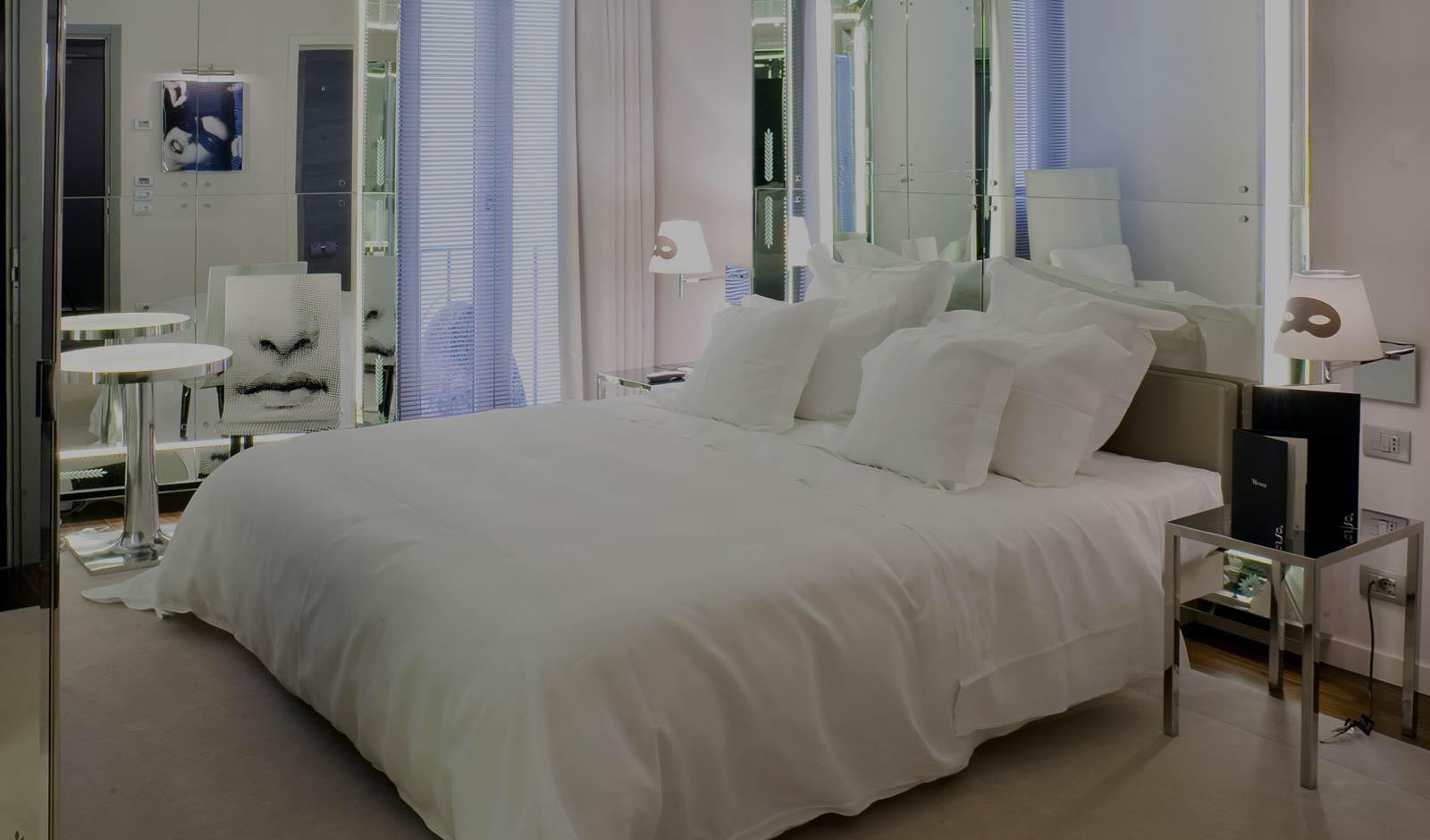 Best Hotels in Venice, Palazzina Grassi, Antiques Diva Venice Tours