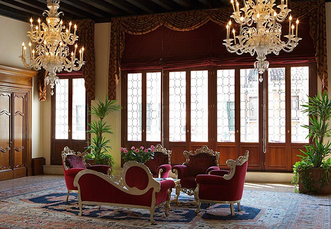 Best Hotels in Venice, The Antiques Diva, Liassidi Palace