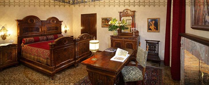 Best Hotels in Venice, The Antiques Diva, Palazzo Priuli