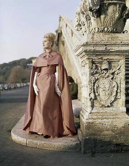 Fashion Italy 1962, Milan Fashion Week, Italian Fashion, Antiques Diva Buying Tours in Italy, Gucci fashion, GG monogram, Vintage Italian fashion