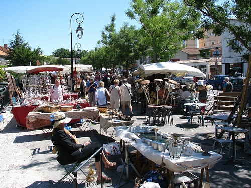 my top 2 flea markets in France are the Paris Flea Market and L'isle sur la Sorgue in Provence: brocante market Isle de la Sorgue