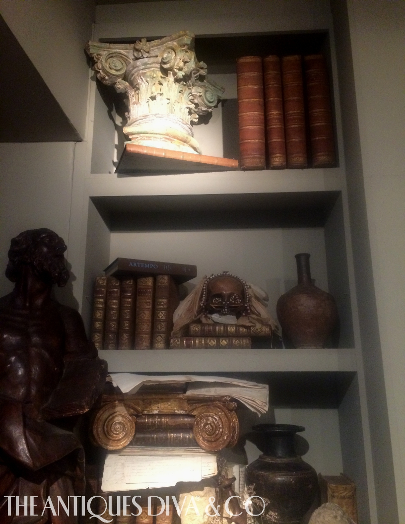 The Antiques Diva, Toma Clark Haines, Decorating with Antiques Books, Shelfie, Ashley Hicks, David Hicks, The Grove, Ronda Carmen, Susanna Salk, Judith Miller, Mercanteinfiera