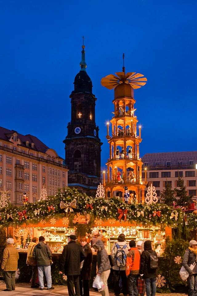 Traditional Christmas Markets, German Christmas Markets, Weihnachtsmarkts, Gendarmenmarkt in Berlin,