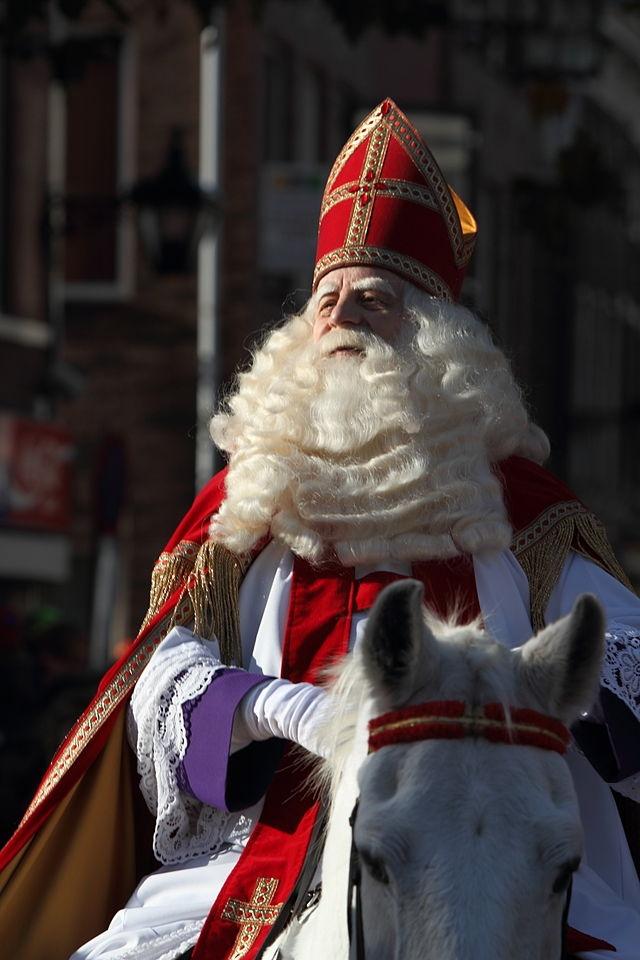 Sinterklaas, Dutch Traditions, Santa Claus in Europe, Zwarte Pieten, Christmas in The Netherlands, Christmas traditions around the world