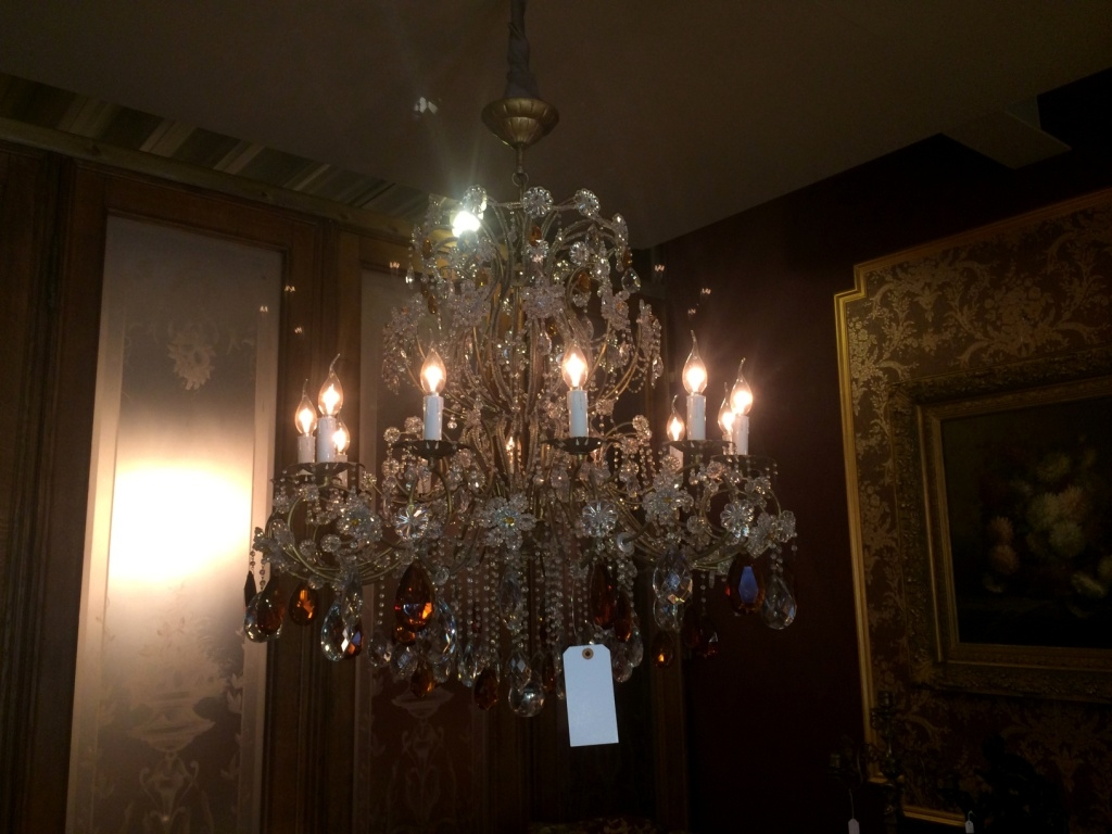 Chandeliers Archives - The Antiques DivaThe Antiques Diva