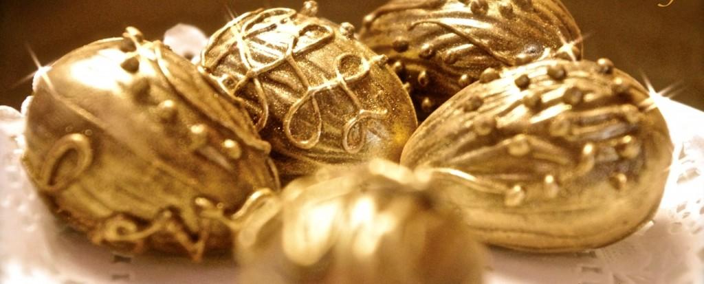 Golden-Eggs, Antique chocolate molds, Brussels, Place de Grand Sablon, Flea Markets in Beligum, Belgian Chocolates, Easter,