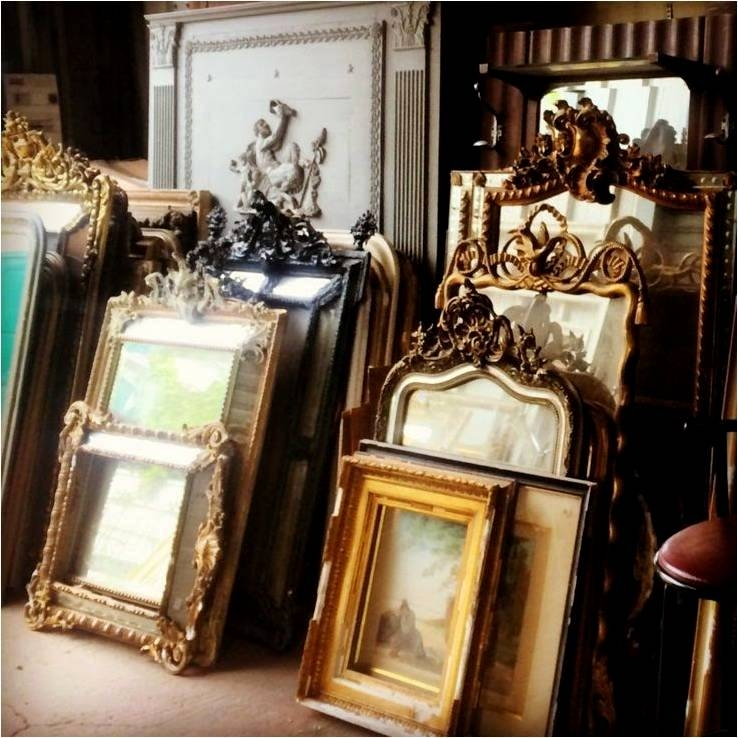 Paris Flea Market, Les Puces, Antiques Diva Tours, Paris Flea Market Tours, Marche Paul Bert, Marche Vernaison, Marche Serpette, Clignancourt, Buying Antiques in Paris, Editor at Large, Antique gilted picture frames
