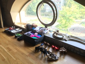 Staying Chic When Packing for Travel shoes and cloths