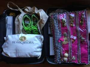 Staying Chic When Packing for Travel Gym shoes and Diva Gifts