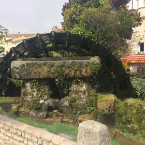 L'isle Sur la Sorgue Arquitectural Salvage