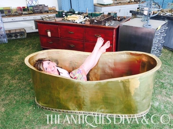 London in June-Salvo Fair Tub