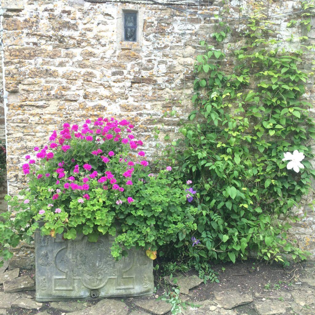 Garden Antiques in England-Planter