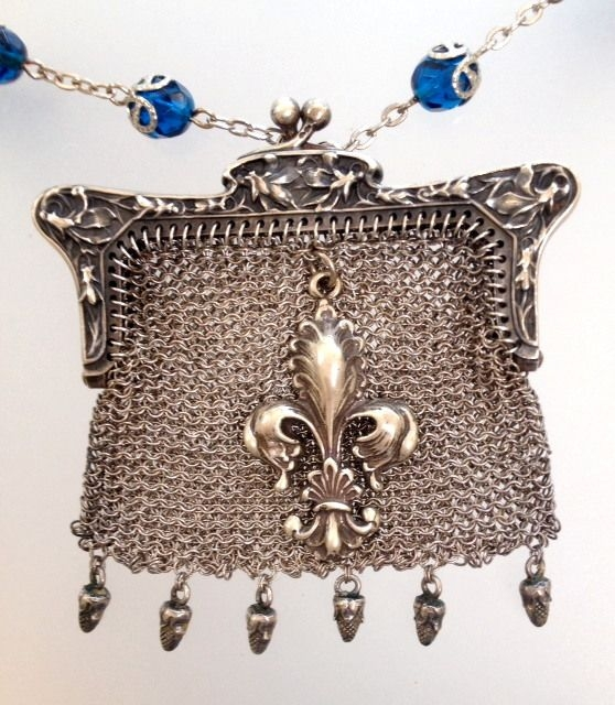 Sourcing Paris Flea Markets for Jewelry Pieces-coin purse