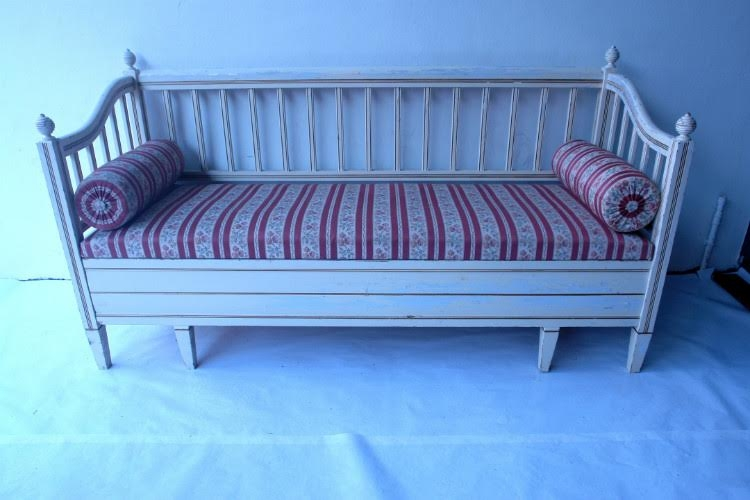 Antique Day Bed--