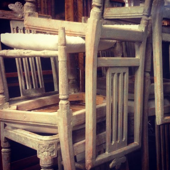 period gustavian chairs in original color on Antiques Diva Swedish tours