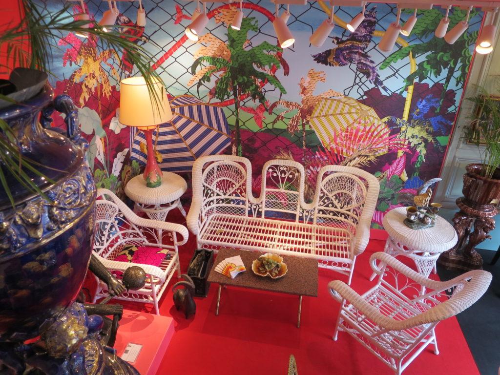 Galerie Vauclair Paris Flea Market Stand Paul Bert - Ambiance Salon Blanc 4