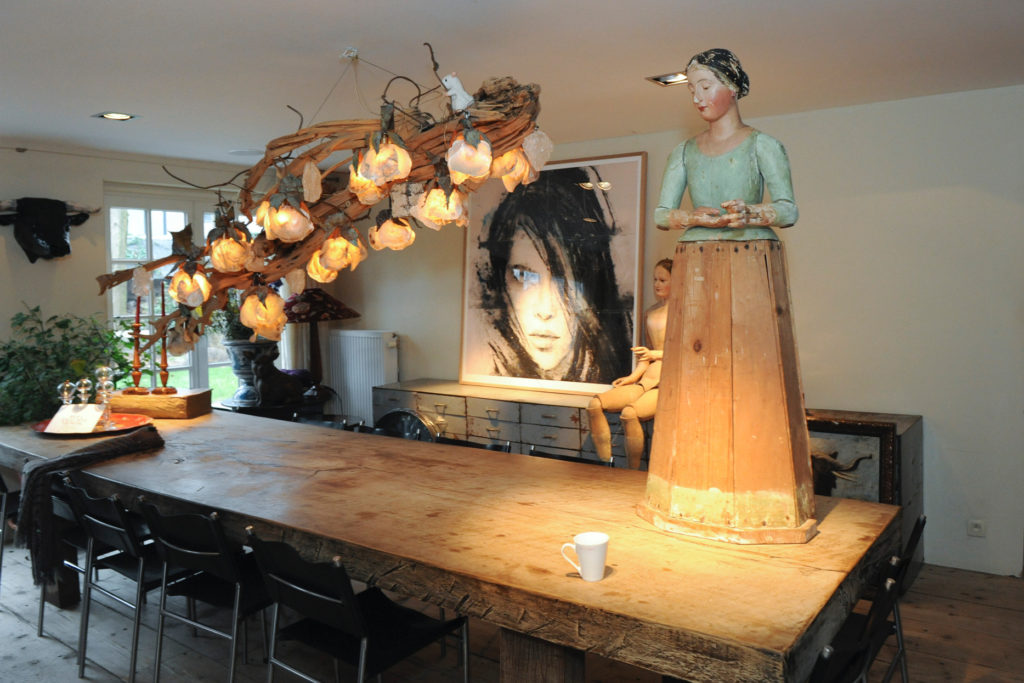 Shopping in private residents in Antwerp with The Antiques Diva & Co
